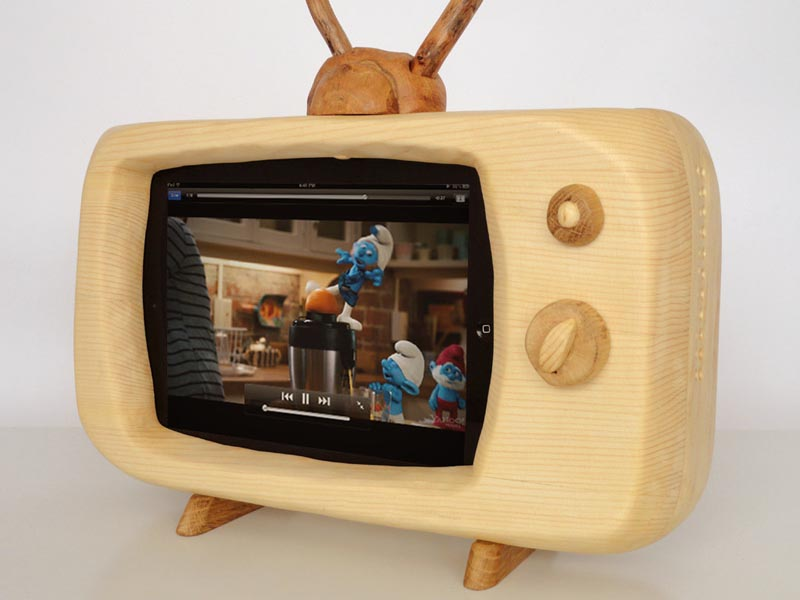 retro tv styled docking station for ipad gadgetsin. Black Bedroom Furniture Sets. Home Design Ideas