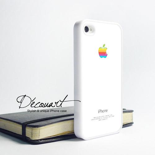 The iPhone 4 Case with Retro Rainbow Apple Logo
