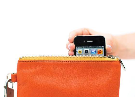 Everpurse A Purse with Backup Battery for iPhone 5 and 4