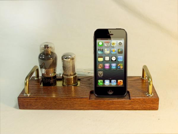 The Handmade iPhone 5 Docking Station