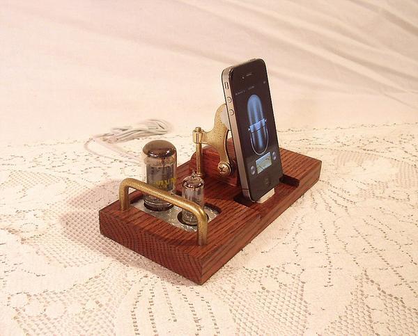the handmade iphone 5 docking station gadgetsin. Black Bedroom Furniture Sets. Home Design Ideas