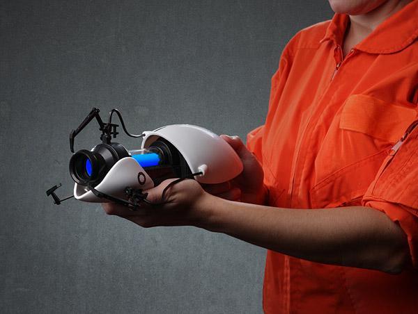 Portal 2 Portal Gun Miniature Replica