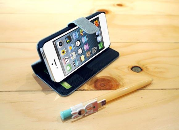 The Ideal Classic Flip iPhone 5 Case