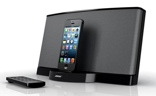 bose sounddock series iii dock speaker system gadgetsin. Black Bedroom Furniture Sets. Home Design Ideas