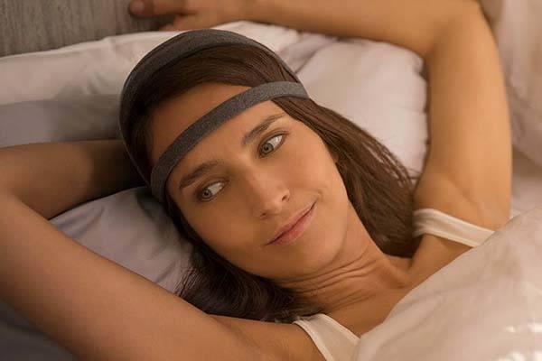 Dreem Smart Sleep Tracker Tracks and Enhances Your Sleep