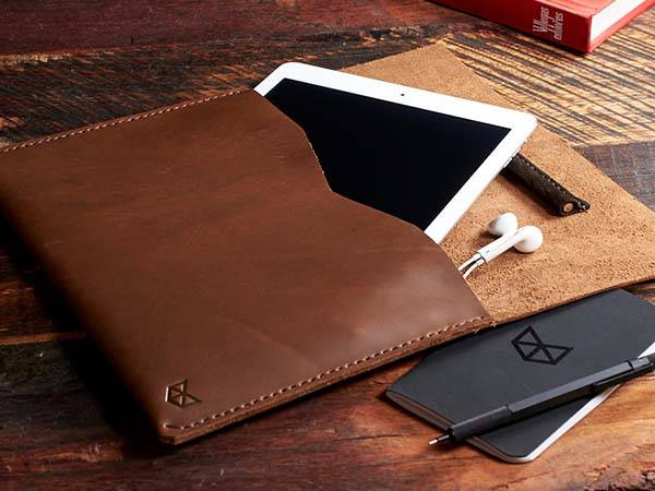 What Is Leather Made Of >> Handmade iPad Pro Leather Sleeve with Built-in Apple Pencil Holder | Gadgetsin