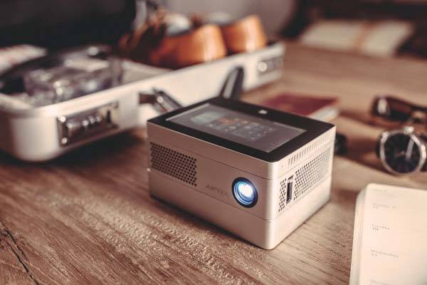 iBeamBLOCK Modular Projector with Windows 10 Tablet and Power Bank