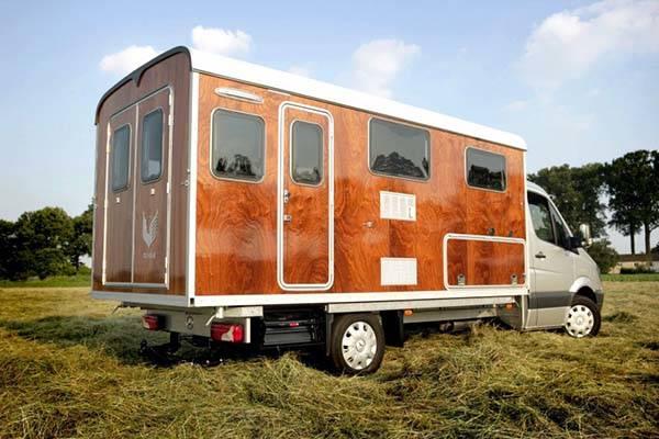 tonke_classic_woodline_solar_powered_camper_2.jpg