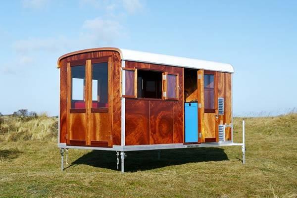 tonke_classic_woodline_solar_powered_camper_3.jpg