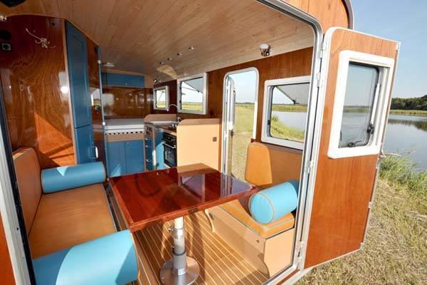 tonke_classic_woodline_solar_powered_camper_6.jpg