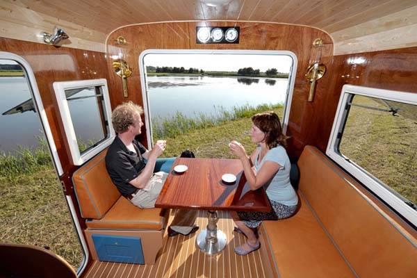 tonke_classic_woodline_solar_powered_camper_7.jpg