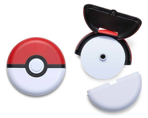 Pokemon Pokeball Pizza Cutter