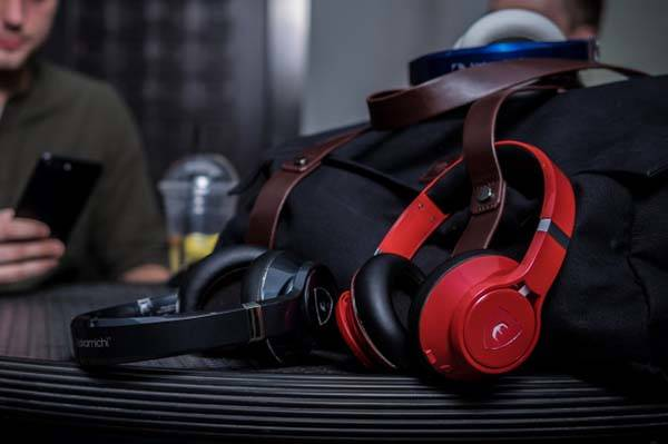 Edge Bluetooth Headphones with AI Sound Enhancement