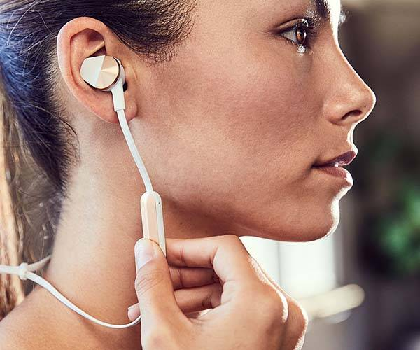 Fitbit Flyer Bluetooth Fitness Headphones