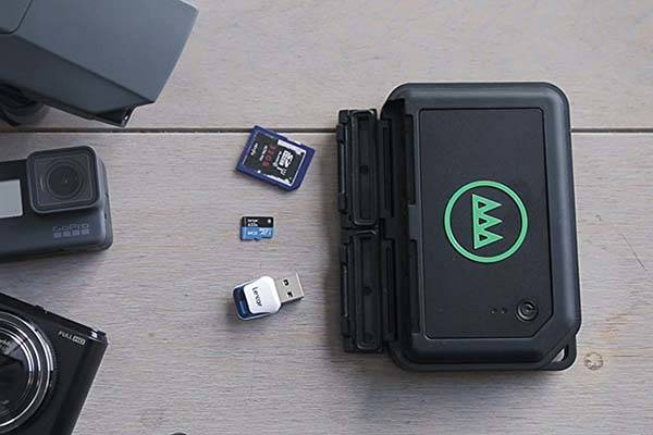 Gnarbox Portable Wireless Storage Device for Action Cameras, DSLRs and Drones