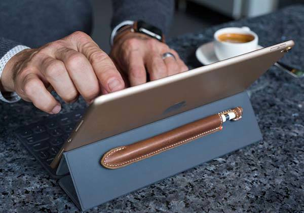 The Quill Magnetic Leather Apple Pencil Case