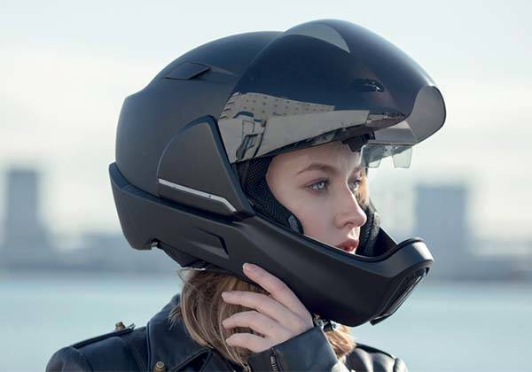 CrossHelmet Smart Motorcycle Helmet with Head-up Display
