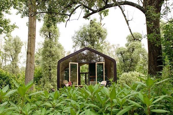 wikkelhouse_modular_house_made_of_cardboard_2.jpg