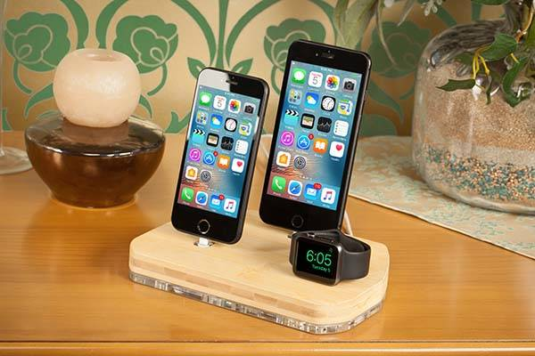 Handmade Bamboo Charging Station for iPhone, Apple Watch and iPad
