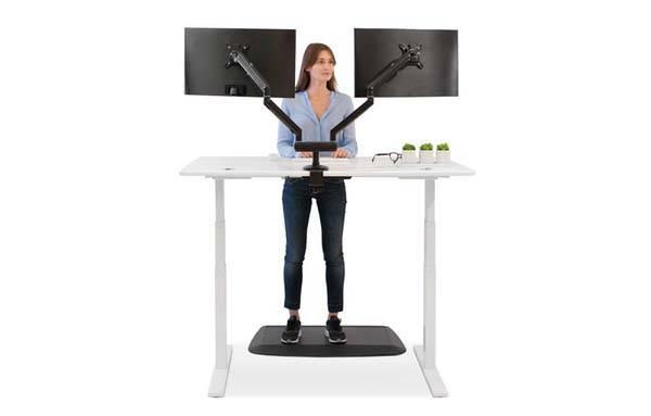 smartdesk_3_smart_standing_desk_2.jpg