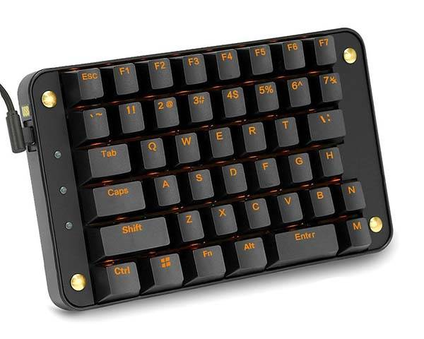The Programmable Mechanical Gaming Keypad