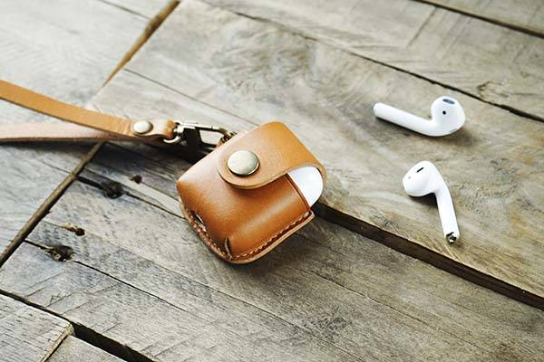 Handmade Hevitz 7050 AirPods Leather Case