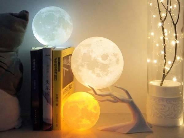 3D Printed Moon LED Mood Lamp