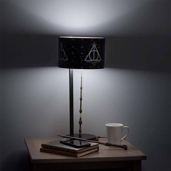 Harry potter the elder wand led desk lamp gadgetsin for Elder wand spells
