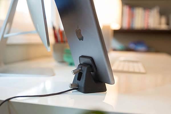 ElevationDock 4 iPhone Dock