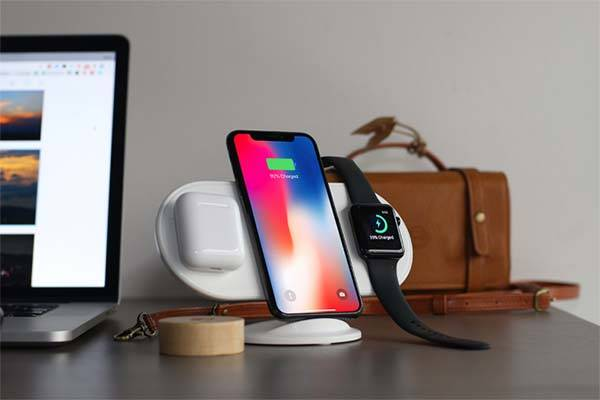 Plux Wireless Charging Station for iPhone X/8, AirPods and Apple Watch