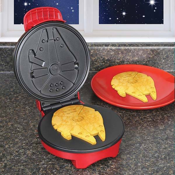 Star Wars Millennium Falcon Compact Waffle Maker