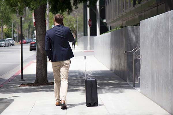 Ovis Ai-Powered Side-Follow Smart Suitcase