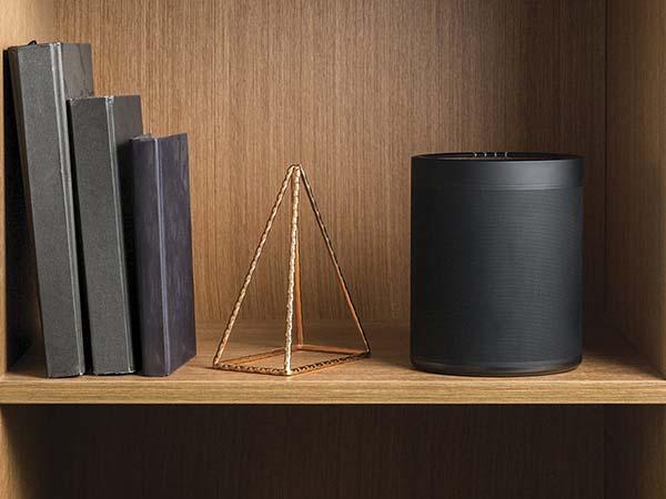 Yamaha WX-021BL MusicCast 20 Wireless Home Speaker Supports Amazon Alexa