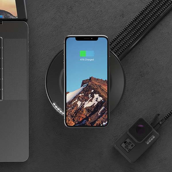 nomad_wireless_charging_hub_2.jpg