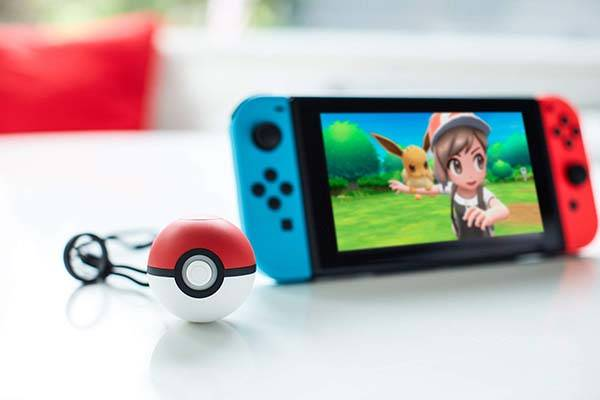 Poke Ball Plus for Pokémon: Let's Go Pikachu/Eevee