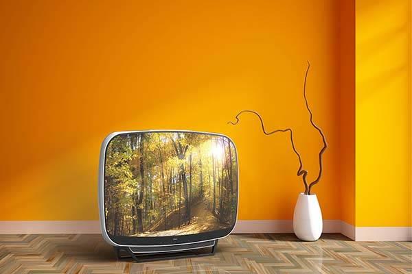 The Teleavia P111 Retro TV Remake with Modern Ports ...
