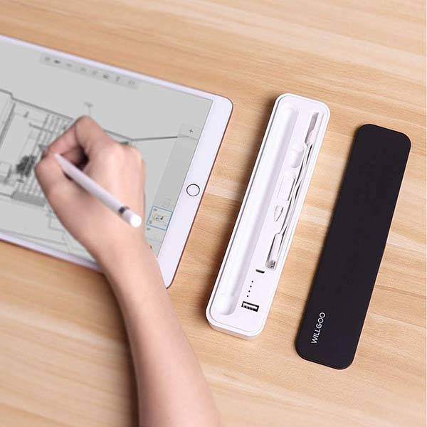 The Apple Pencil Carrying Case Features Built-in Rechargeable Battery