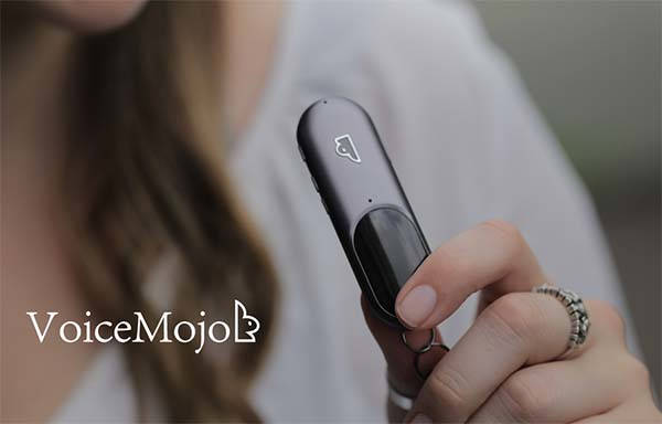 VoiceMojo Wearable Voice Assistant Supports Siri, Amazon Alexa and Google Assistant