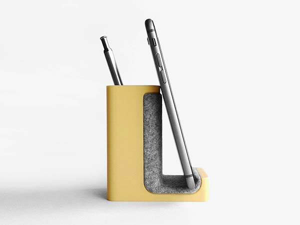 3D Printed Pen and Phone Holder