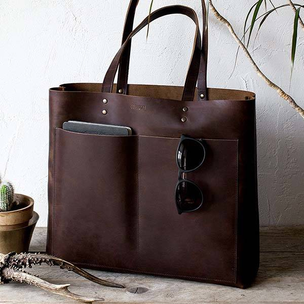 The Handmade Leather Tote Holds Your Everyday Items in Style