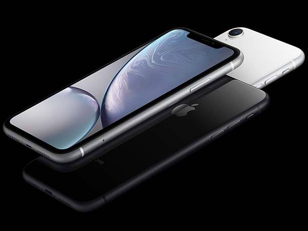 Apple iPhone XR with All-New Retina Display