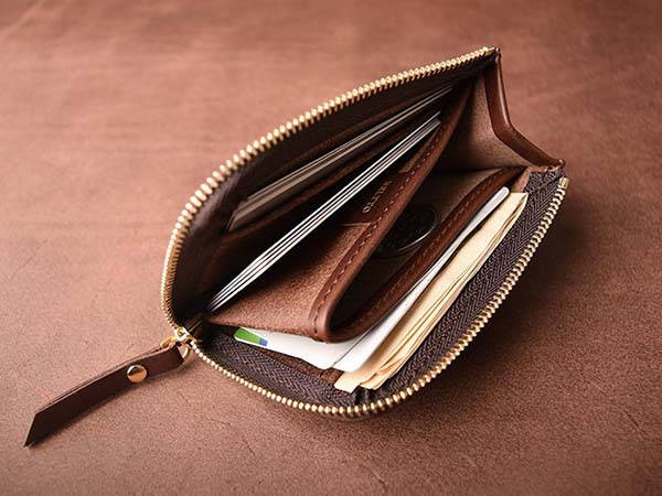 Handmade Customizable Leather Zip Wallet