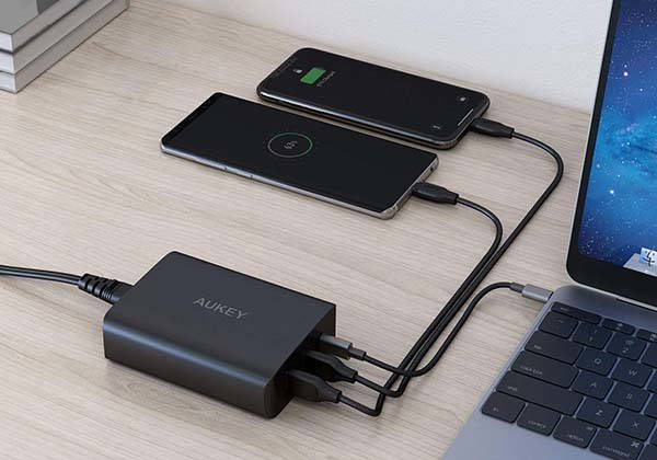 Aukey USB-C Charger with 60W Power Delivery 3.0