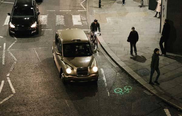 laserlight_core_projection_led_bike_light_1.jpg