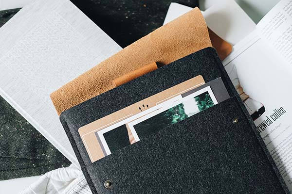 Courier Handmade 11-Inch iPad Pro Sleeve with An Extra Pocket and Apple Pencil Holder