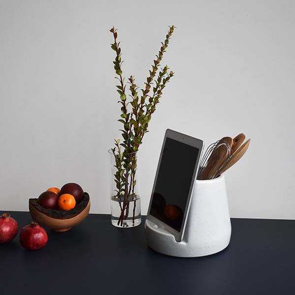 Stak Handmade Ceramic Kitchen Tablet Dock