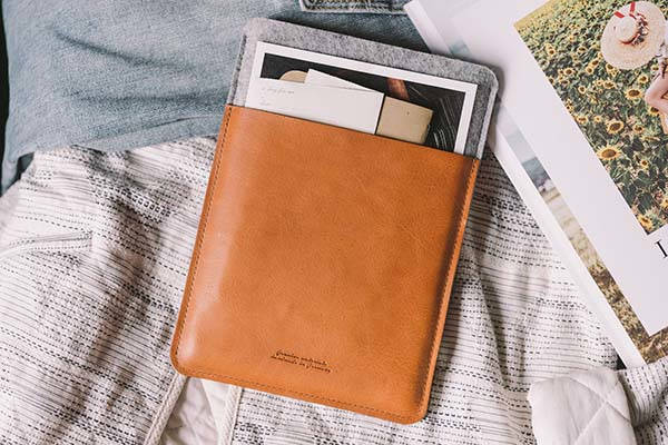 Dandy Handmade 11-Inch iPad Pro Leather Sleeve