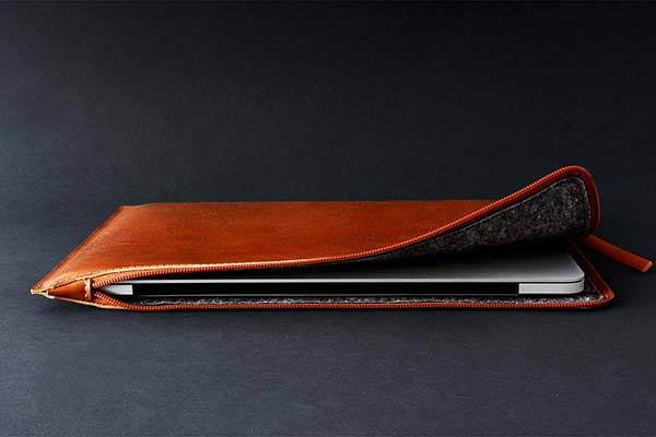 check out 55a4e e5a41 Handmade 11″/12.9″ iPad Pro Leather Sleeve with Apple Pencil Slot ...