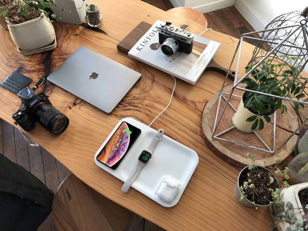 Gaze Tray Wireless Charging Dock Doubles as a Desk Organizer