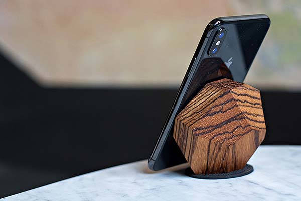 Halo Handmade 10W Wooden Wireless Charging Dock